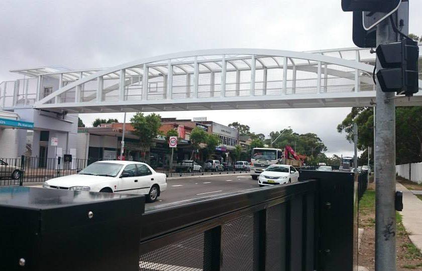 Pedestrian crossing sliding gate